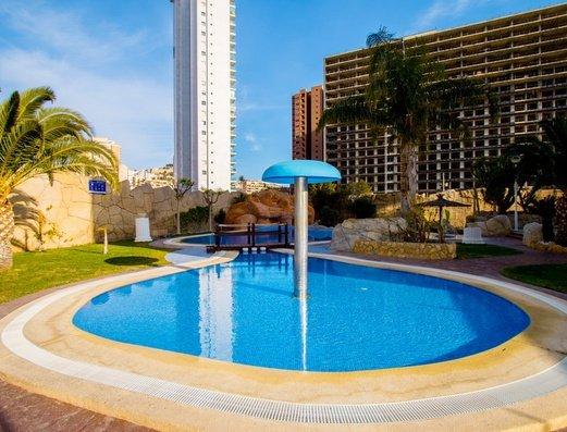 Открытый бассейн Отель Magic Atrium Beach